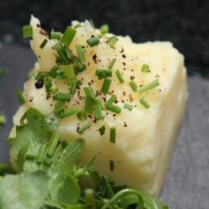 Pure de pommes de terre, ciboulette et Salade